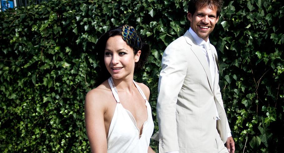 òa felicità degli sposi nelle foto di matrimonio