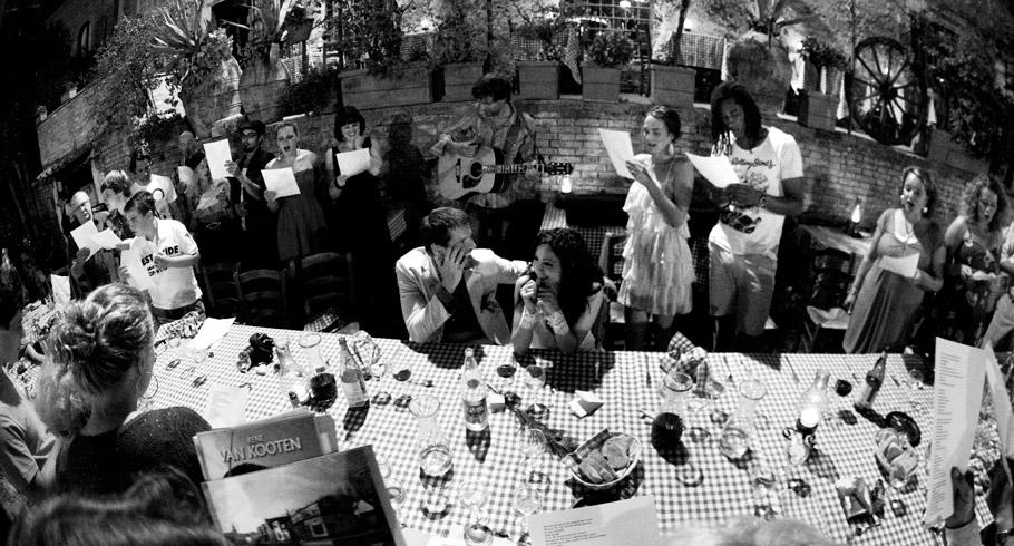 originale foto di matrimonio di tanya e rene a trastevere