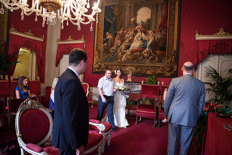 destination wedding photographer in Rome, Italy. This photos are taken on a russian wedding in Florence. Tuscany.
