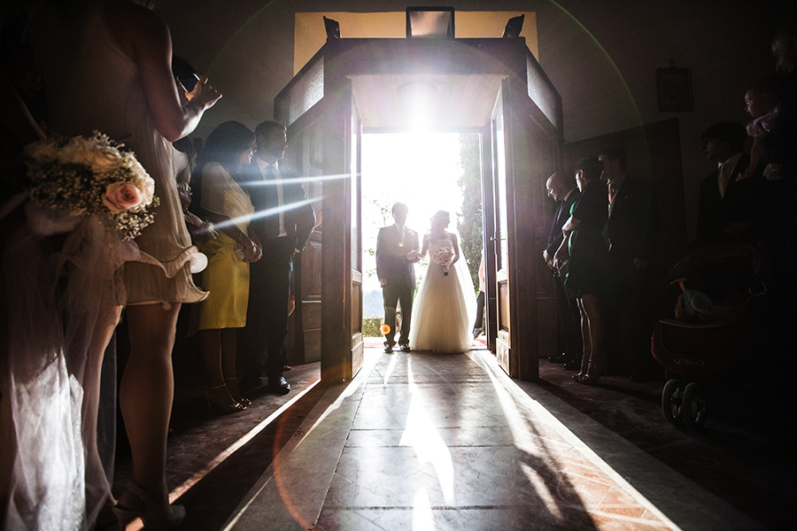 studio pensiero, fotogrfi di matrimonio in stile reportage a roma lazio italia. fotografi nicole bigi e luciano marinelli borgo di tragliata